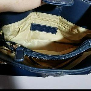 Tommy Hilfiger Bags - Tommy Hilfiger swing shoulder bag. Free shipping!